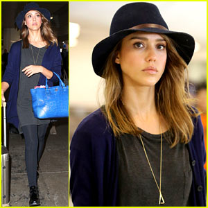 Jessica Alba: Back Home for Thanksgiving Holiday!