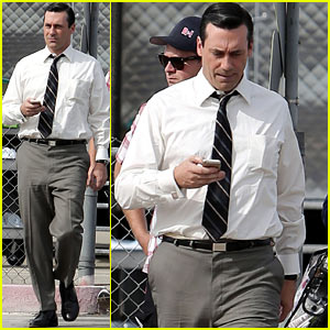 Jon Hamm Skips Underwear, Appears to Go Commando on Set
