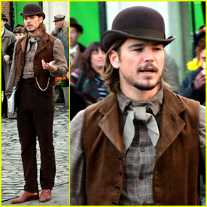 Josh Hartnett Wears Period Costume for 'Penny Dreadful'