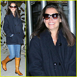 Katie Holmes: Back in NYC After 'The Giver' Filming!