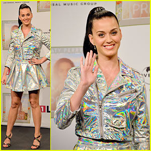 Katy Perry Set to Open American Music Awards!