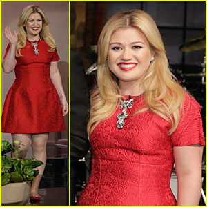 Kelly Clarkson: Wrapped in Red for 'Leno'!