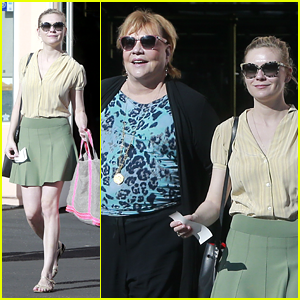 Kirsten Dunst: Mall Visit with Mom Inez