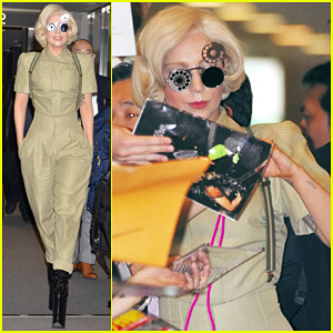 Lady Gaga Arrives in Tokyo to Promote 'ARTPOP'!