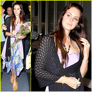 Lana Del Rey Receives Flowers at LAX Airport!