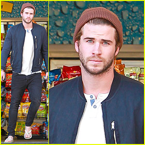 Liam Hemsworth Steps Out After 'Catching Fire' Breaks Box Office Record