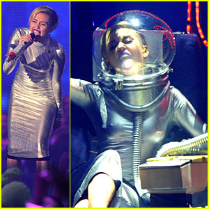 Miley Cyrus: 'We Can't Stop' at MTV EMA 2013 (Video)