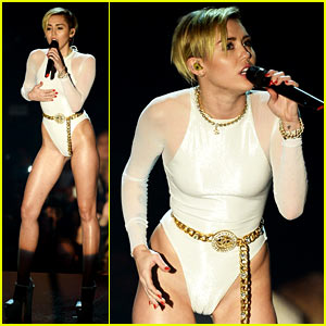 Miley Cyrus: 'Wrecking Ball' at MTV EMA 2013 (Video)