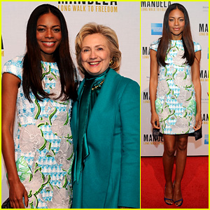 Naomie Harris: 'Mandela' D.C. Photo Call with Hillary Clinton!