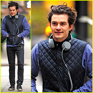 Orlando Bloom Braves Chilly Weather After NYC's First Snow