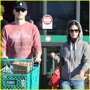 Rachel Bilson & Hayden Christensen Shop on Sunday!