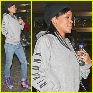 Rihanna: Low-Key Trip to American Music Award Rehearsals