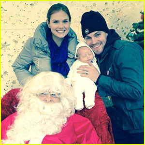 Stephen Amell & Cassandra Jean: Holiday Photo with Baby Mavi!