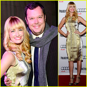 2 Broke Girls' Beth Behrs Celebrates Style in Philadelphia