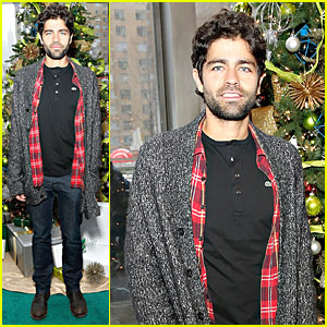 Adrian Grenier: Lacoste Christmas Lights Celebration!