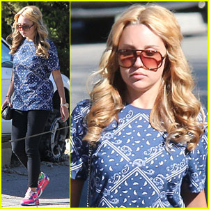 Amanda Bynes: Sunday Salon Stop