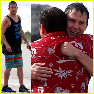 Channing Tatum Gives Jonah Hill a Big Hug for '22 Jump Street'!