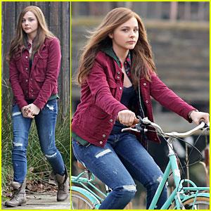 Chloe Moretz: Post Thanksgiving Bike Rider for 'If I Stay'