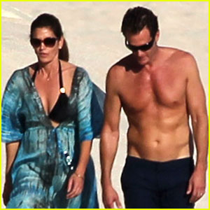 Cindy Crawford Relaxes in Cabo with Shirtless Rande Gerber