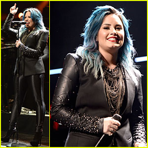 Demi Lovato Performs at Y100's Jingle Ball 2013!