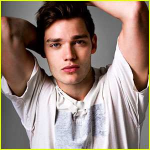 Dominic Sherwood: Just Jared Spotlight of the Week (Exclusive!)