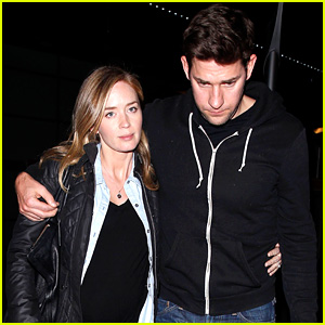 Emily Blunt & John Krasinski: Sunday Night Movie Mates!