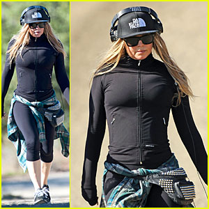 Fergie: Solo Hike Before Dick Clark's New Year's Rockin' Eve!