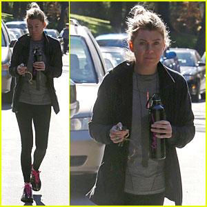 'Grey's Anatomy's Sarah Drew Shares Ellen Pompeo's Reaction to Mid-Season Finale!
