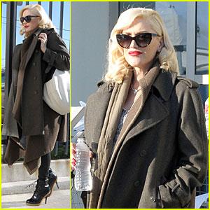 Gwen Stefani Hides Baby Bump with Wool Coat!