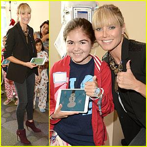 Heidi Klum: Thumbs Up for Children's Hospital Visit!