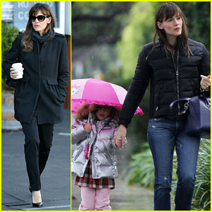 Jennifer Garner: Rainy Day Errands with Seraphina