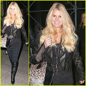 Jessica Simpson & Eric Johnson Look Happy & Sweet Together!