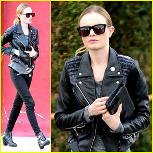 Kate Bosworth Hangs Wedding Ornament on Christmas Tree!