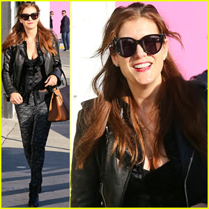 Kate Walsh Shops for Holiday Gifts on Melrose!