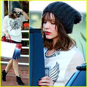 Katharine McPhee Finishes Christmas Shopping at Fred Segal