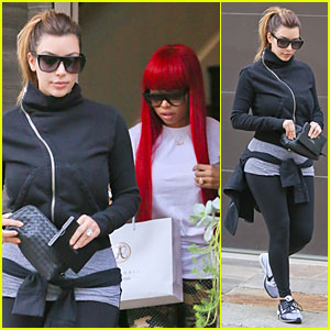 Kim Kardashian: Eyebrows Touch Up with Blac Chyna!