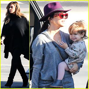 Kim Kardashian & Family Members Catch a Private Flight