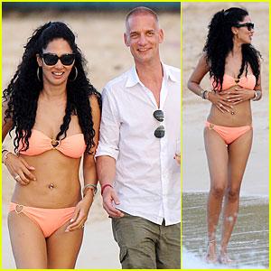 Kimora Lee Simmons: Bright Bikini Babe with Tim Leissner!