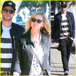 Liam Hemsworth & Mom Leonie Browse Furniture Selections!