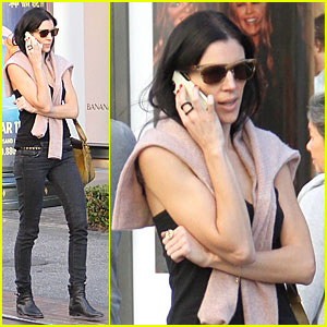 Liberty Ross: Holiday Shopper at The Grove!