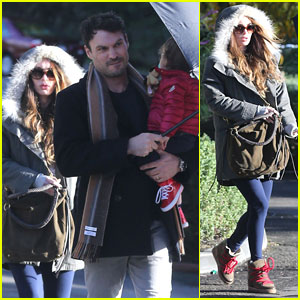 Megan Fox & Brian Austin Green: Rainy Day Lunch with Noah