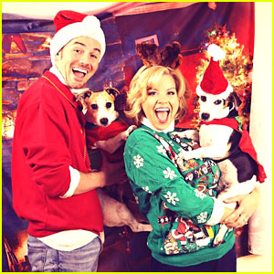 Megan Hilty Reveals All of Her Awkward Christmas Photos!