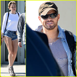Miley Cyrus & Kellan Lutz Arrive in Miami on Same Private Jet