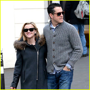 Reese Witherspoon & Jim Toth Go Shopping in Paris