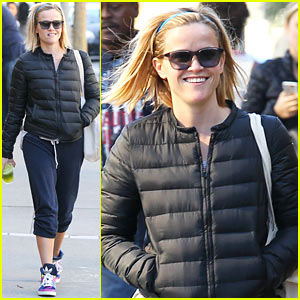 Reese Witherspoon Spends Sunday with Her Gal Pal!