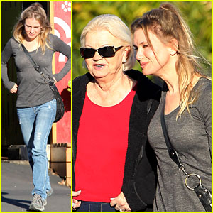 Renee Zellweger: Post Christmas Lunch with Her Parents