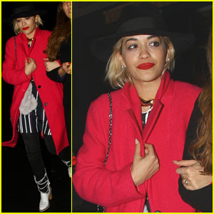Rita Ora Receives Personalized George Foreman Grill