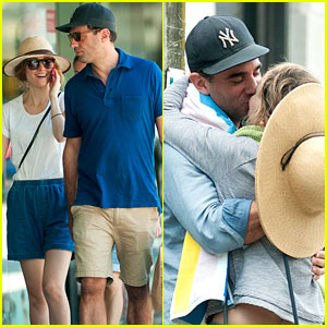 Rose Byrne & Bobby Cannavale Share Romantic Kiss in Sydney
