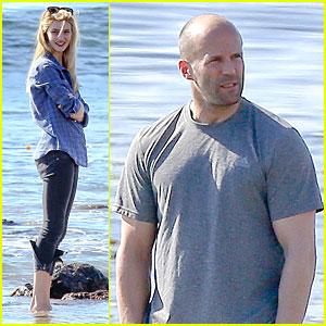 Rosie Huntington-Whiteley: Malibu Beach with Jason Statham!