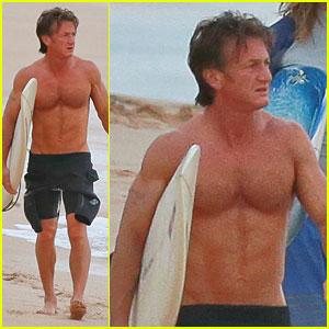 Sean Penn: Shirtless Surfer Dude in Hawaii!